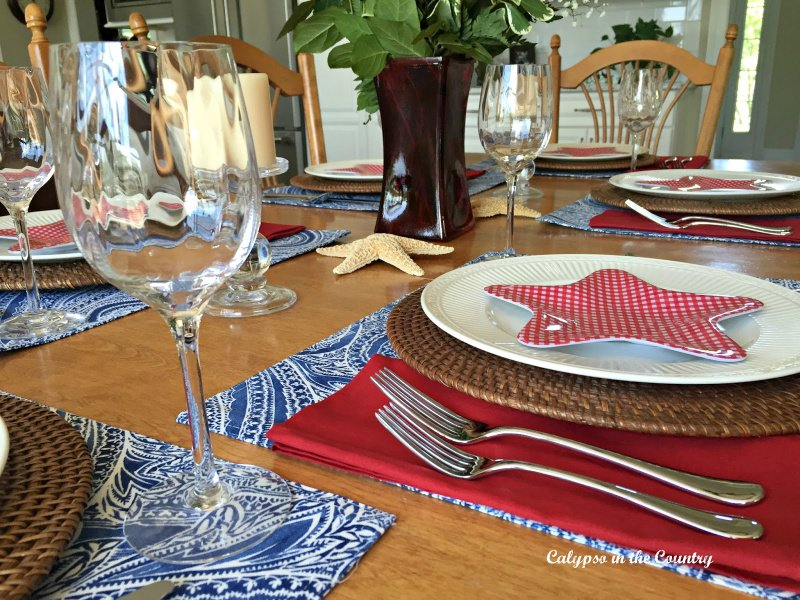 Patriotic Table Setting in the Kitchen