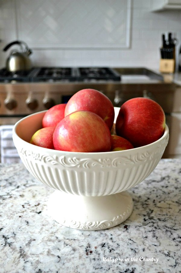 Decorating with Apples – Fruits of the Season