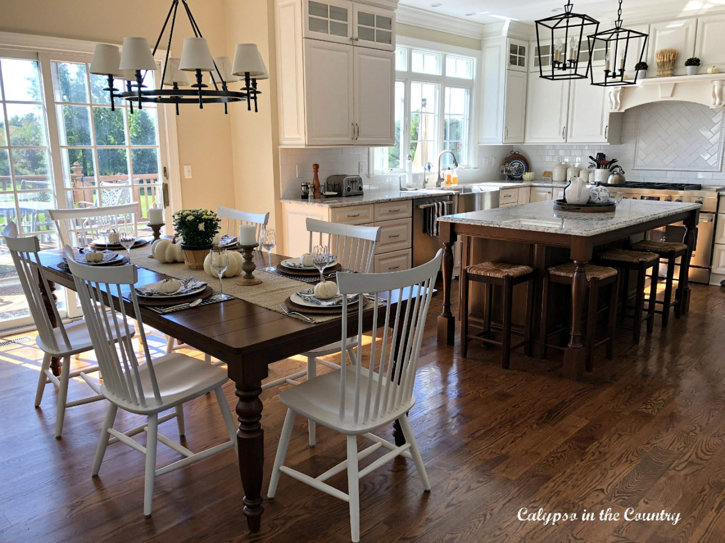 White Kitchen decorated with neutrals for fall