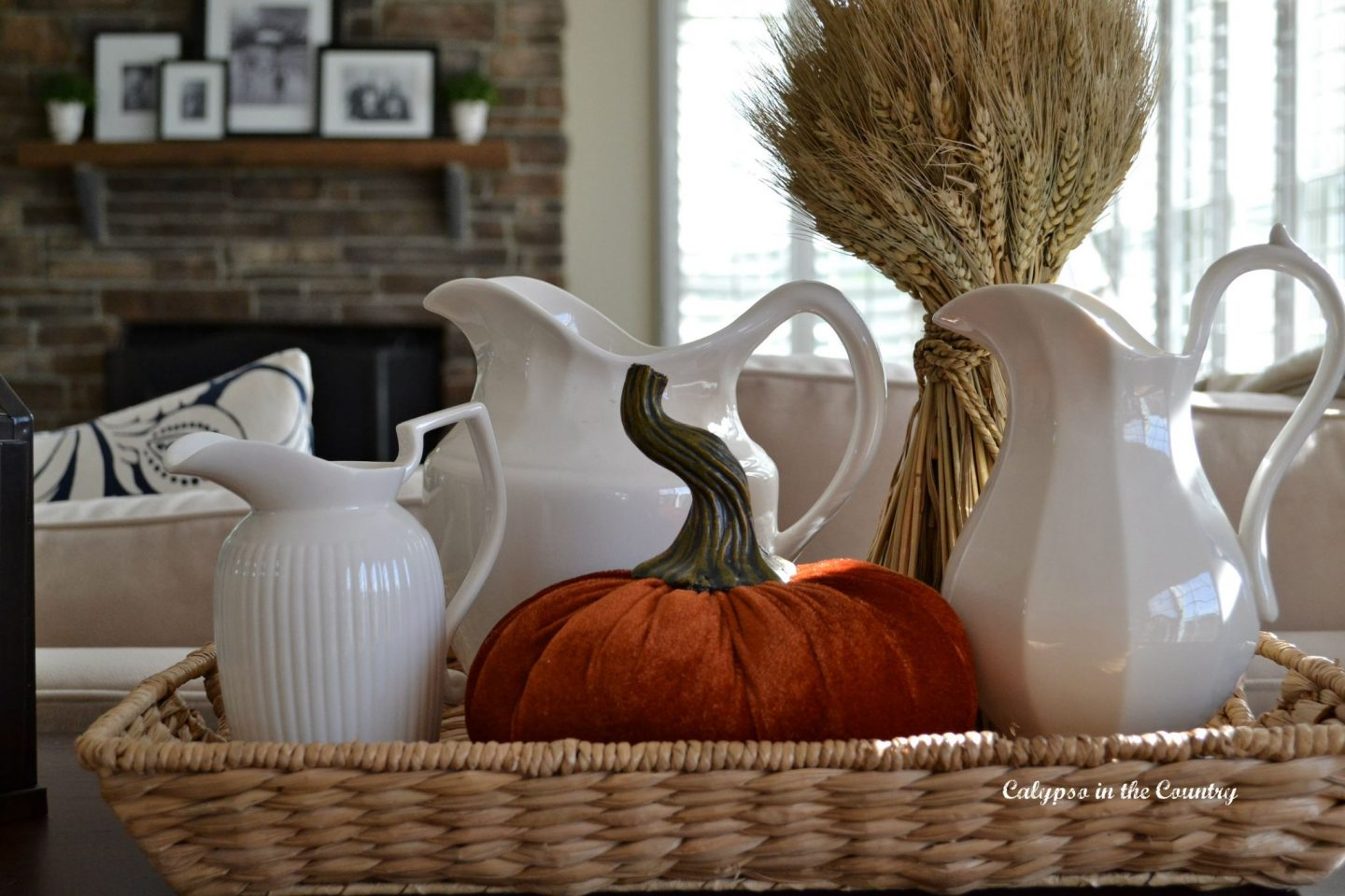 Simple fall decorating ideas for the family room