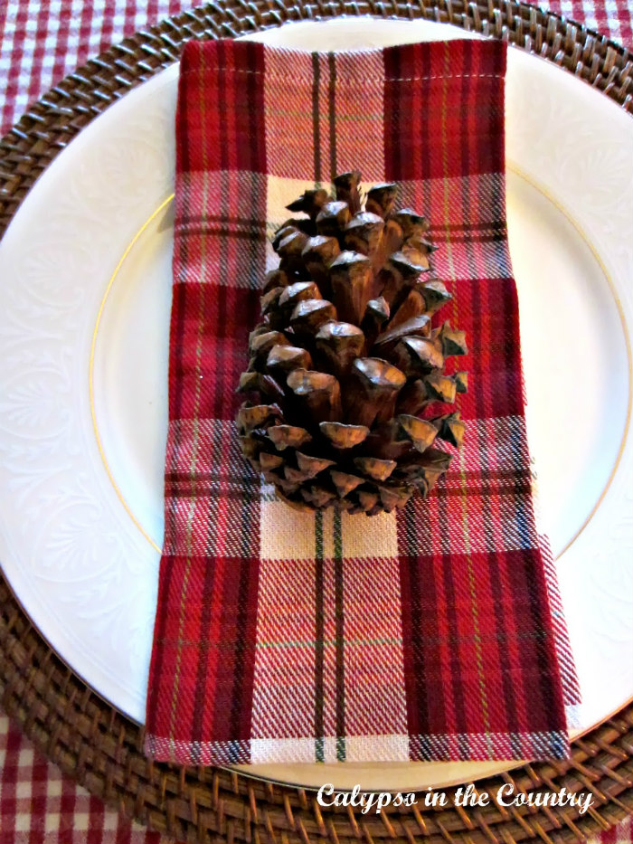 Christmas Table Idea with Plaid and Checks