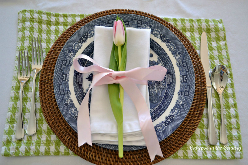 Blue and white plate with tulip