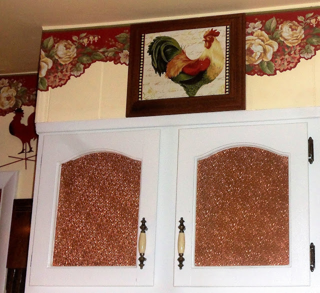 Placemats and Roosters Feature