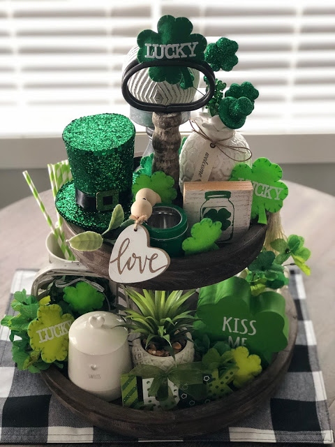 Tiered tray with green accessories