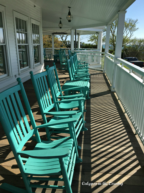 Rocking Chairs on Porch - Ideas for Outdoor Rocking Chairs