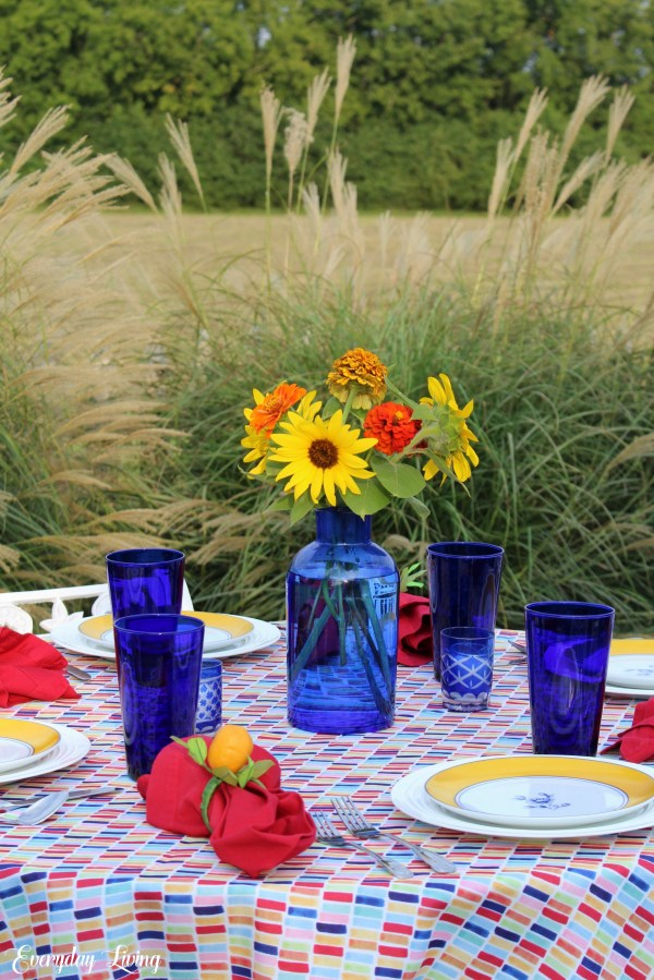 Colorful tablesetting for summer