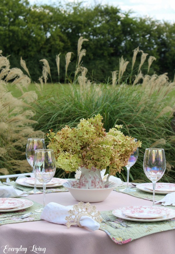 outdoor tablesetting for September