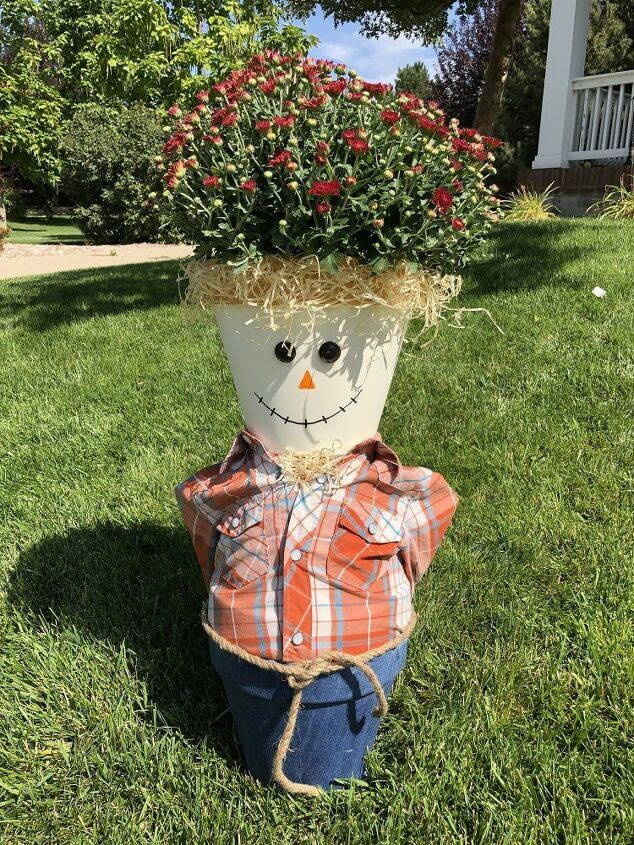 Flower Pot Scarecrow feature
