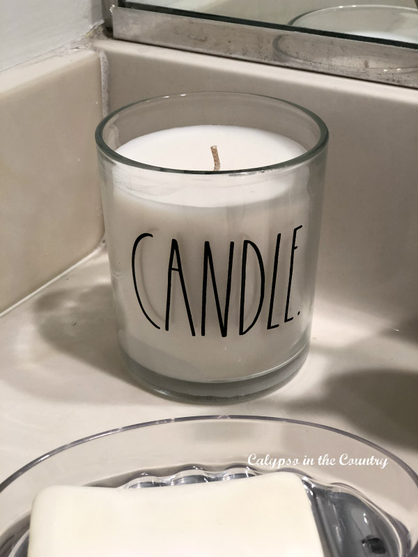 Rae Dunn candle