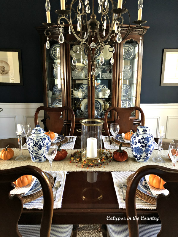 Navy Dining Room decorating for fall - Embracing Fall in the Dining Room
