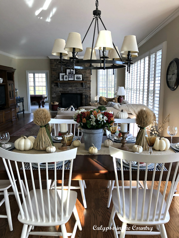 Farmhouse Style Thanksgiving Table