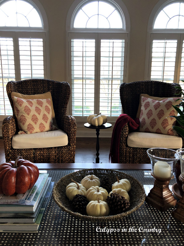 Living Room Decorating for Fall