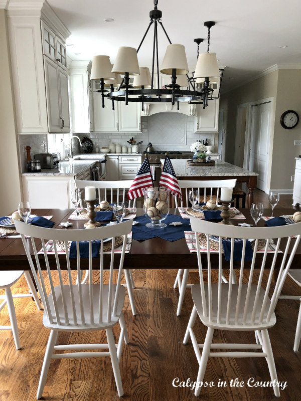 Patriotic Table with a baseball theme