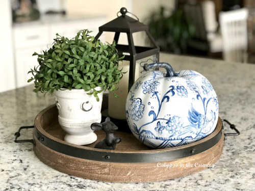 How to Decorate with Blue and White in the Fall