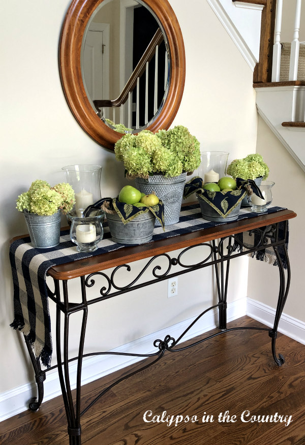 Early Fall Decor in the Foyer