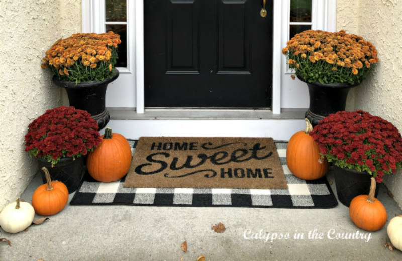 Fall Front Porch - Favorite Fall Decorating Finds