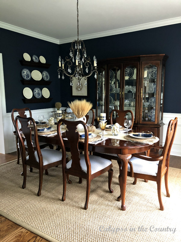 Autumn Table Decor Ideas for a Navy Dining Room