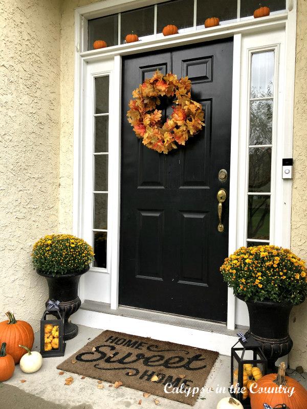 Autumn Porch Decor Ideas with Mums and Pumpkins