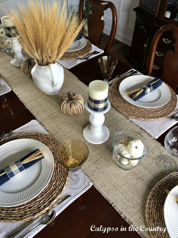 Neutral and Navy Fall Tablescape Ideas