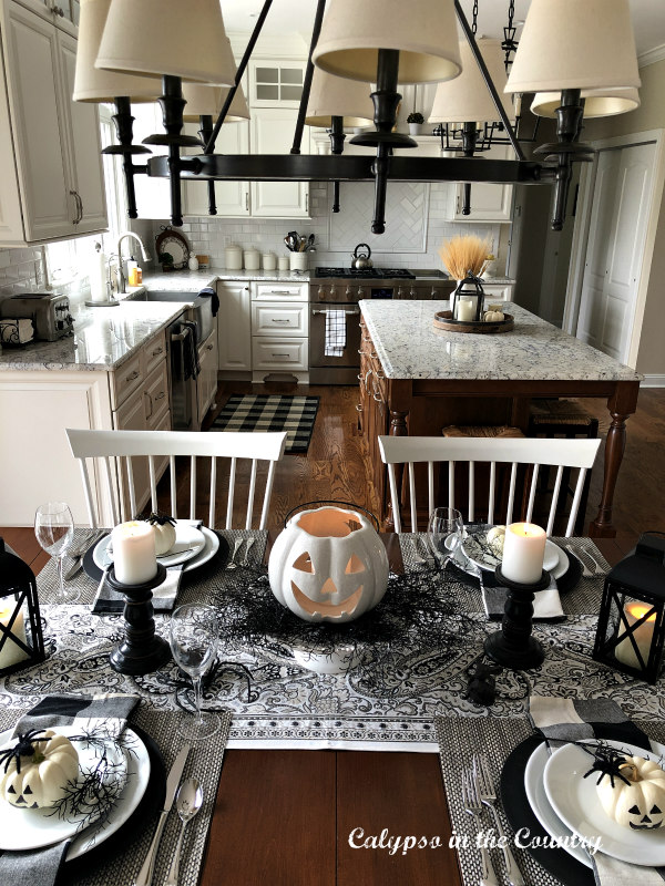 Black and White Table Setting - Halloween Table Setting Ideas