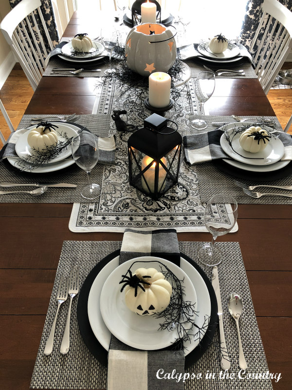 Black and White Table decorated for Halloween