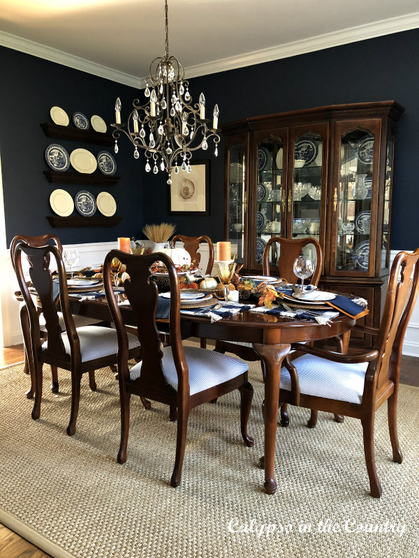 Traditional Furniture in Navy Dining Room