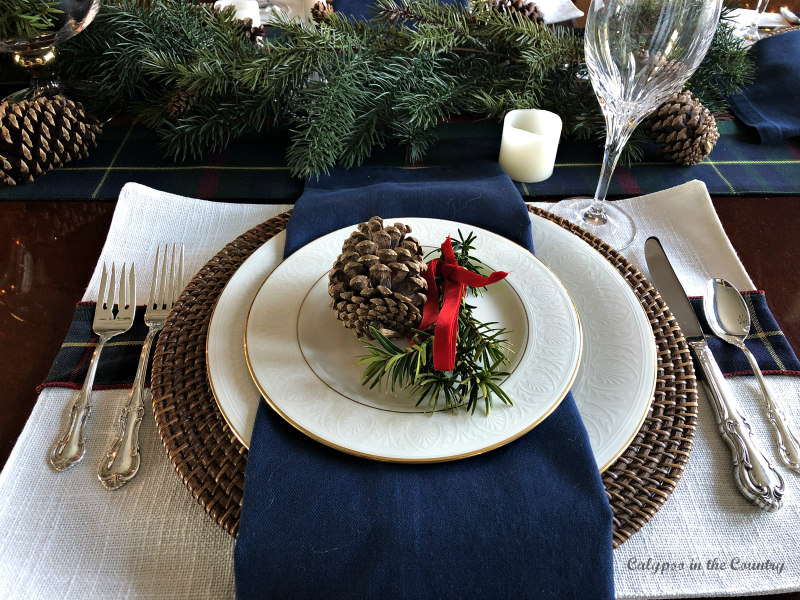 Traditional Christmas Table Decor with Navy Blue napkin