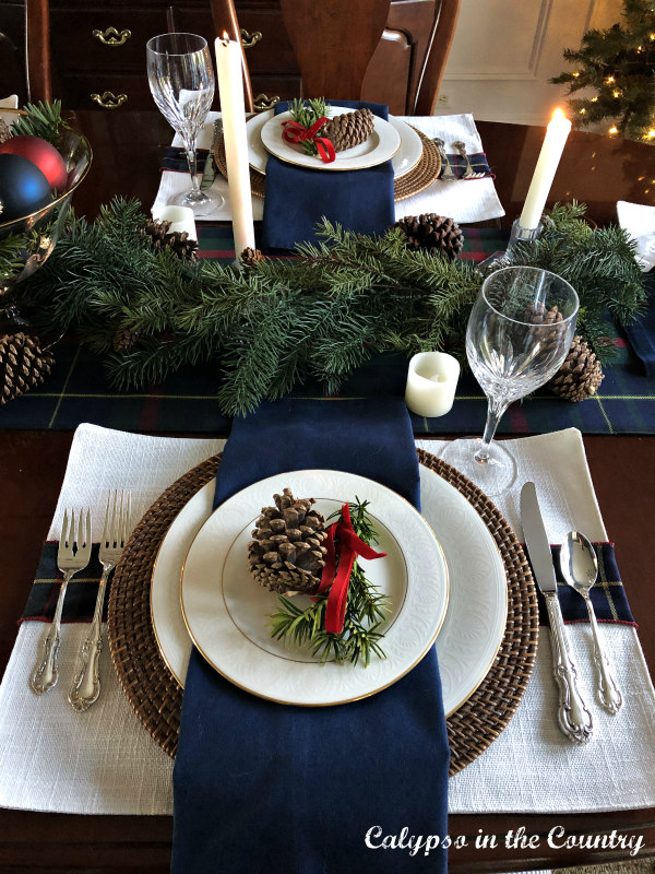 Christmas place settings with blue and white