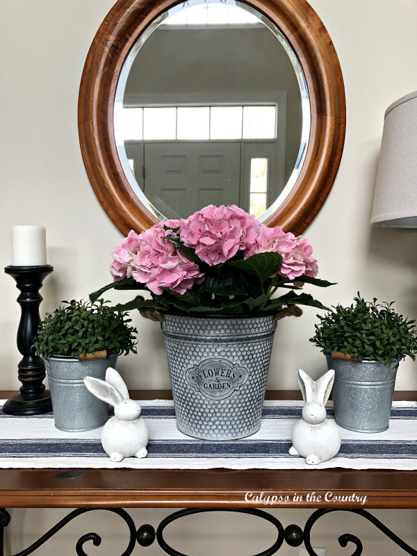 Pink hydrangeas and white bunnies - Easter decorating ideas