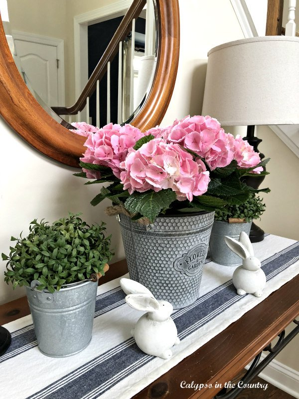 hydrangeas on foyer table - pink home decor ideas