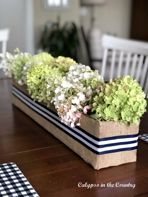 diy flower box - decorating with stripes