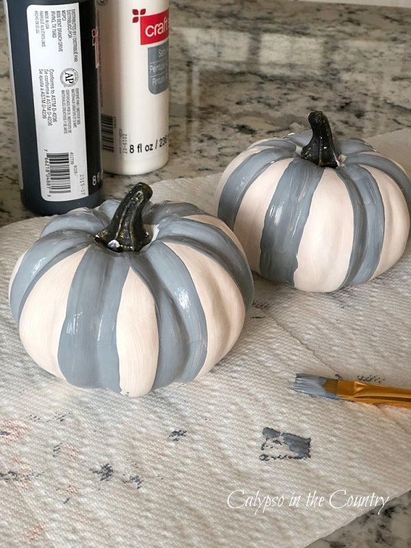 gray and white pumpkins - how to paint buffalo plaid pumpkins