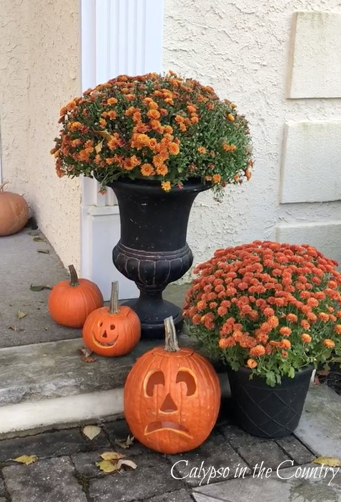 Halloween Decorating Ideas – Indoor and Out (Saturday Spotlight)